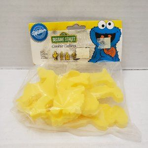 Wilton SESAME STREET cookie Cutters Big Bird Ernie